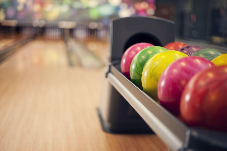 Câteva motive pentru care trebuie să încerci bowling-ul