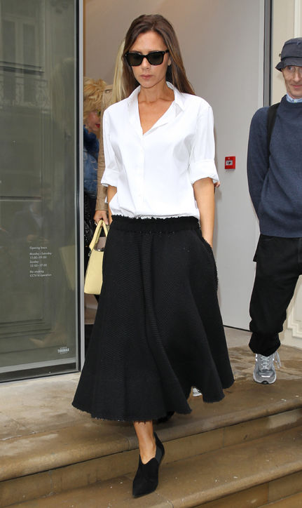 victoria-beckham-london-white-shirt-black-skirt-h724