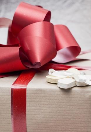 Ce întrebări trebuie să îți pui înainte de a alege cadoul perfect