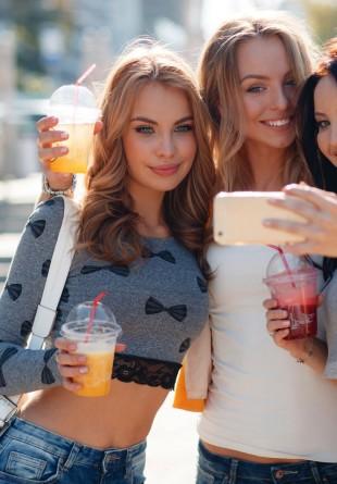 Trucuri de vedetă pentru selfie-ul perfect