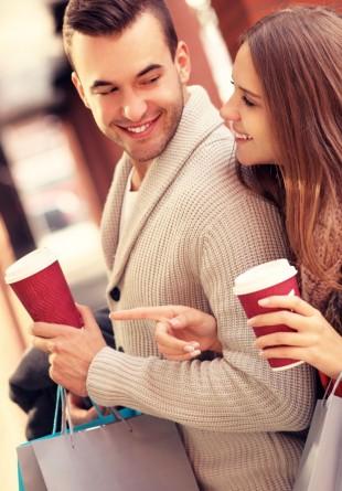 Cum să-ți convingi iubitul să vină cu tine la shopping
