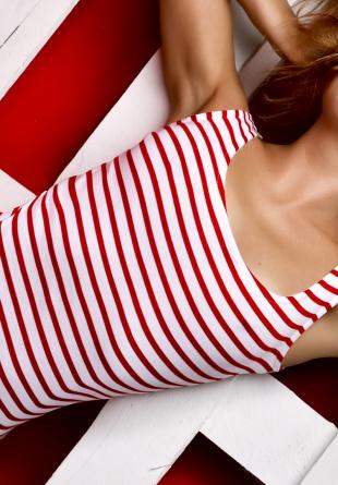 Cum să porți body-ul în outfit-uri zi de zi