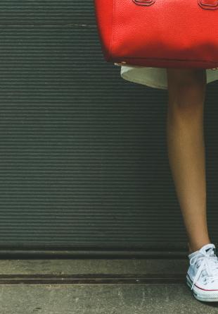 Cum să porţi pantofii sport ca o adevărată fashionistă