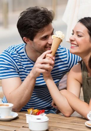 Știința spune: înghețata ne face mai fericiți!