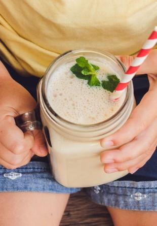 5 idei de smoothie-uri perfecte pentru copilul tău