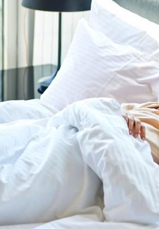 De ce e bine să dormi până târziu în weekend